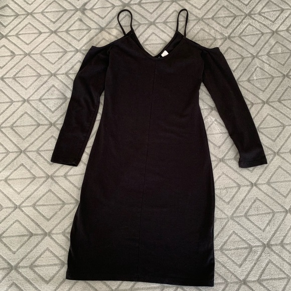 H&M Dresses & Skirts - H&M Divided- Black Mini Dress